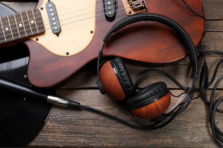 Can You Plug Headphones Into Acoustic Guitar